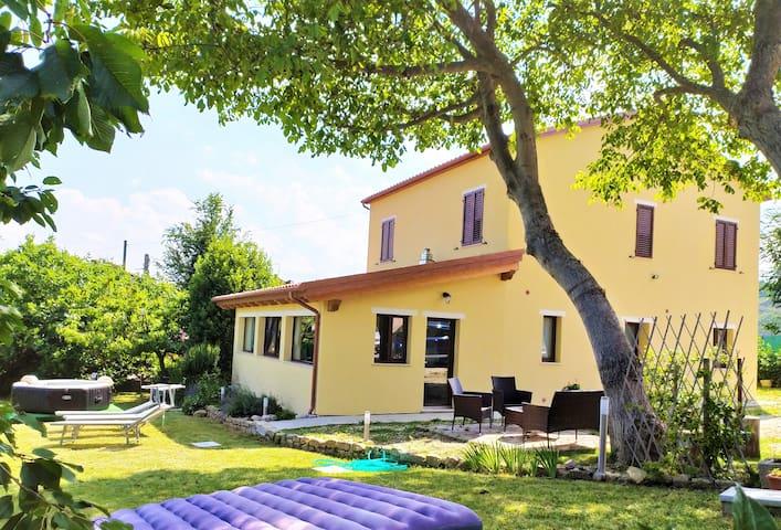 Montefalcone Appennino的民宿