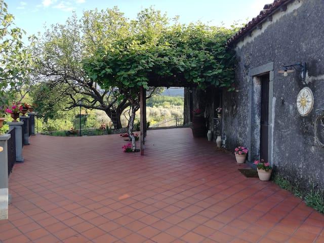 Castiglione di Sicilia的民宿