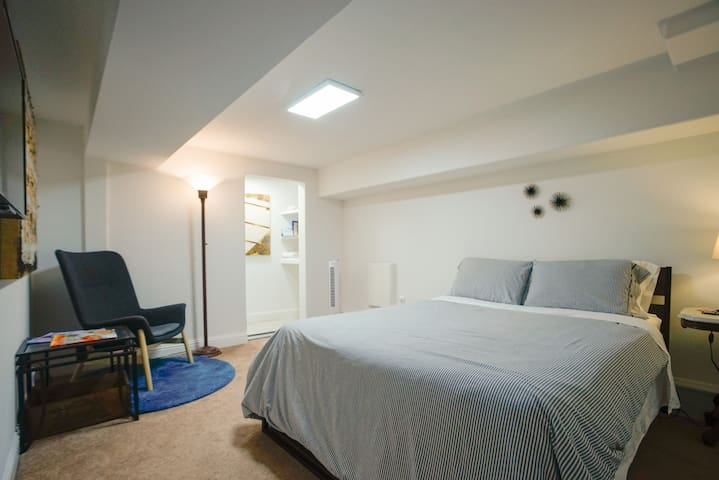 Private 4-rm suite in heart of Mission District