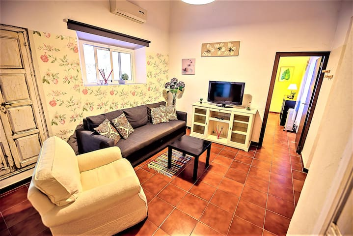 Milagros #4, two-bedroom Central Apartment