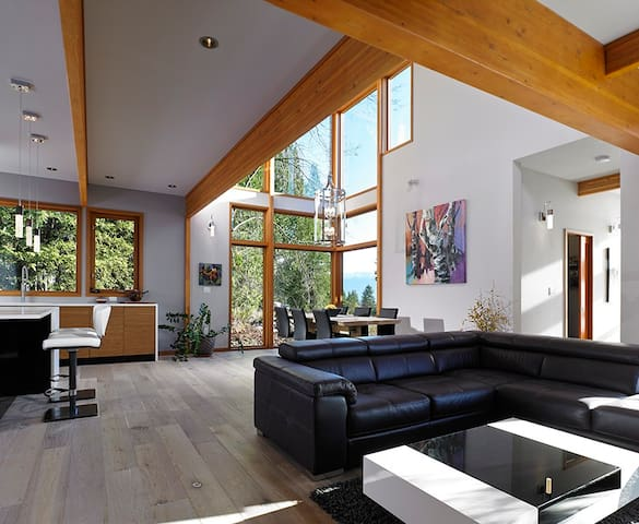 Halcyon Hill Luxury Vacation Home