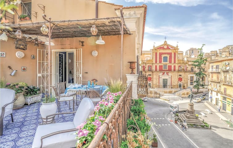 Terraced house with 3 bedrooms on 240m² in Caltanissetta