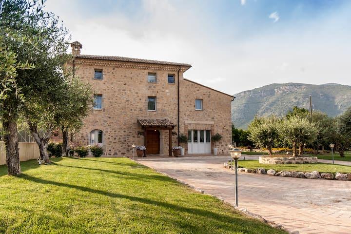 Monte San Biagio的民宿