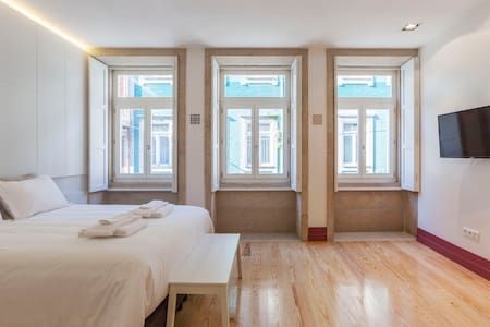 Diogo's modern and comfortable studio apartment