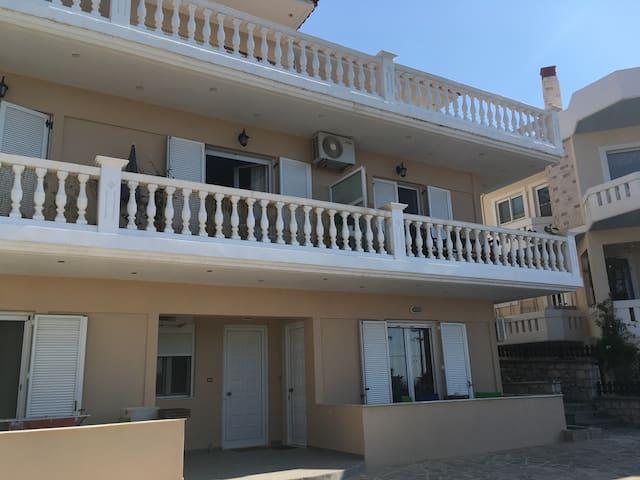 L's apartments (1)