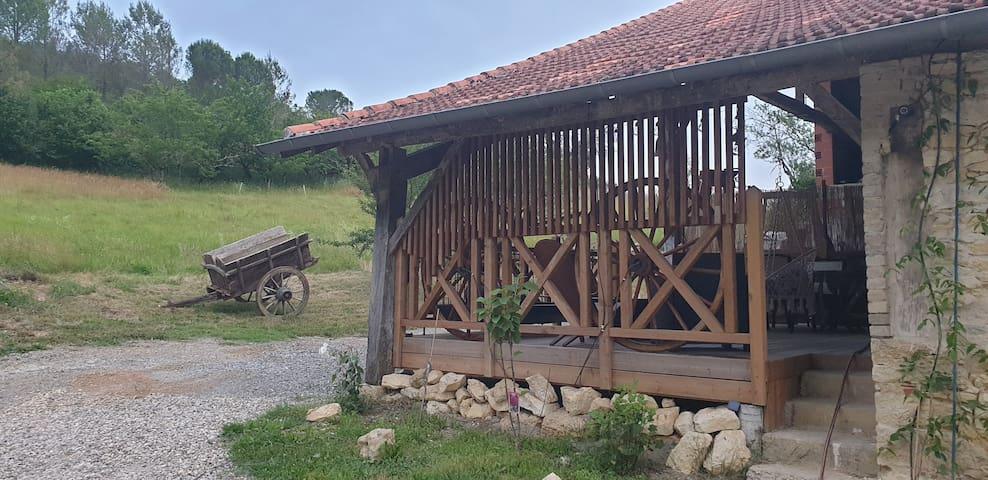 Ordan-Larroque的民宿