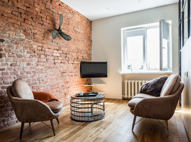 Amazing Loft style Apartment in Moscow Center!
