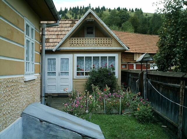 Ghimeș-Palanca Pass的民宿