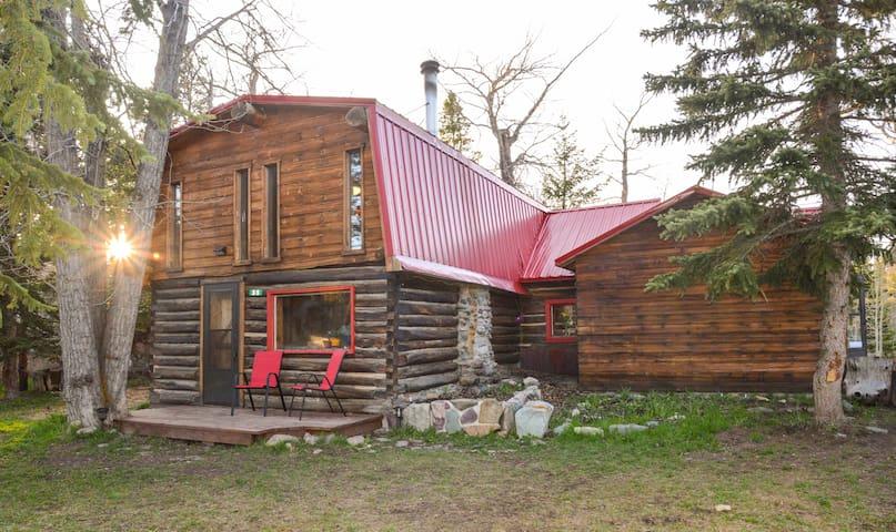 East Glacier Park Village的民宿