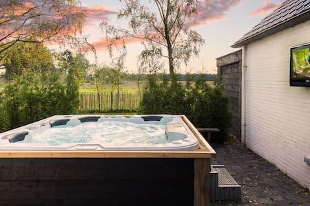 De Zandhoef, outdoor living mixed with luxury