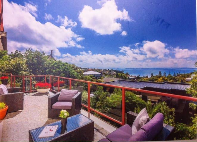 一套两卧室带卫浴,海景房紧邻漂亮海滩,适合一至四人度假休闲居住