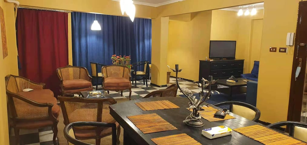Maadi Al Khabiri Ash Sharqeyah的民宿