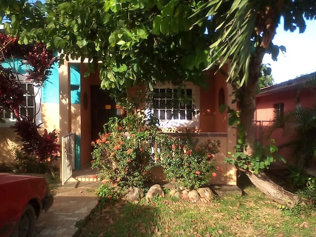 La Villa de los Santos的民宿