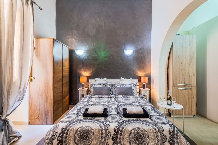 Flatlet in Traditional Maltese Townhouse