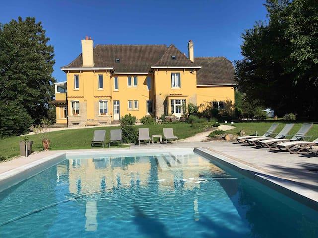 Mont-Saint-Vincent的民宿