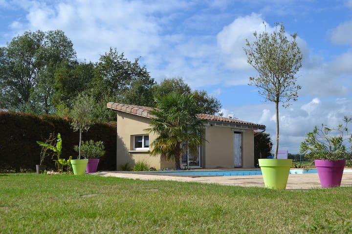 Bâgé-la-Ville的民宿