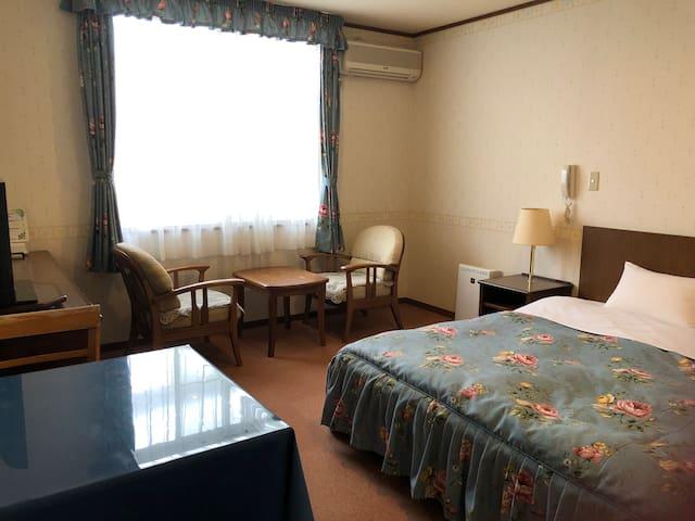 趣きの異なる3カ所6種お風呂が自慢 301心海富士荘園 別館1階広めのダブル