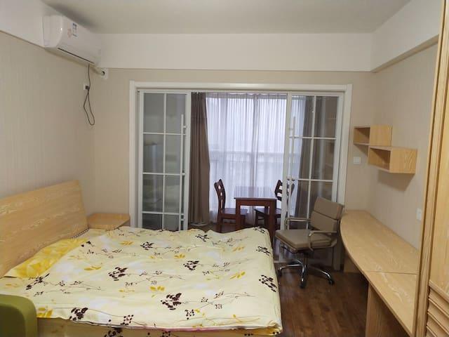 亲海的金海名园豪华公寓