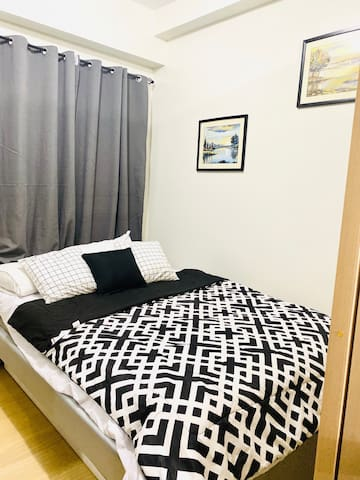 Brand New 1Br @ TreesResidences with WIFI+ NETFLIX