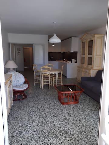 Le Lavandou的民宿