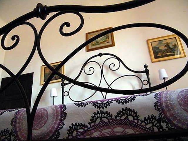 Montefollonico的民宿