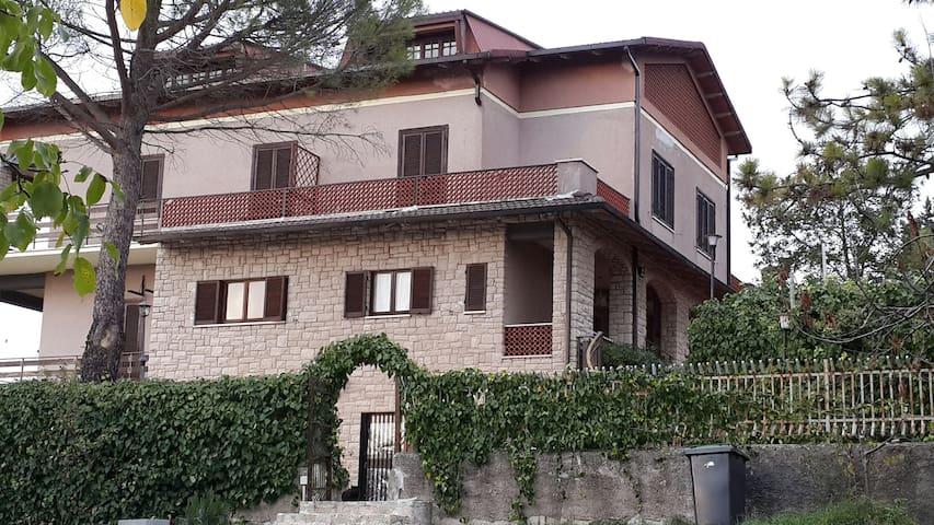 VILLA MUNA in Umbria a pochi km da Spoleto