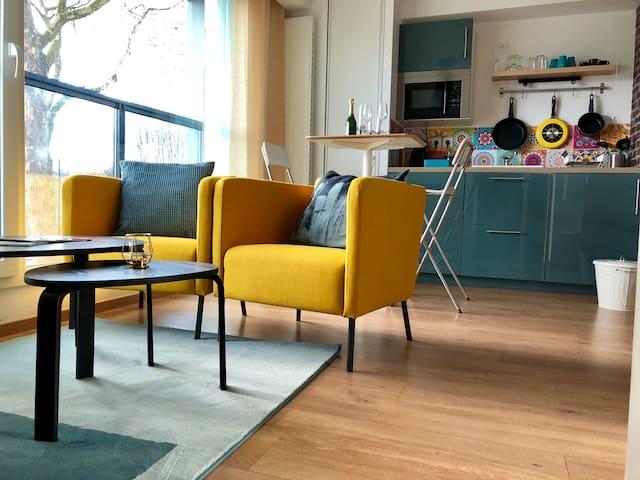 Sweet Studio Yellow