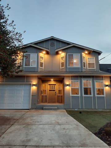 New Open Recently built townhome