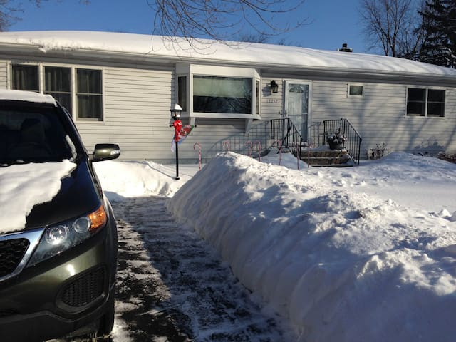 Home in convenient location in Grayslake
