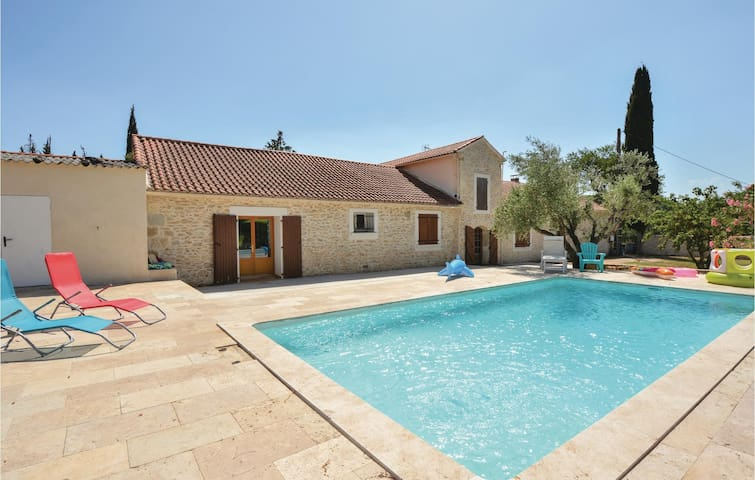 Semi-Detached with 1 bedroom on 100m² in Calvisson