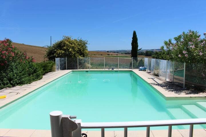 Chambre de 20m2 à la campagne avec piscine