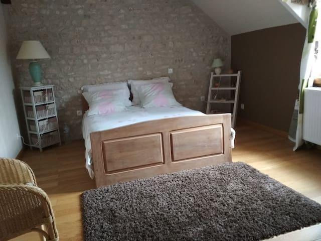 Treilles-en-Gâtinais的民宿