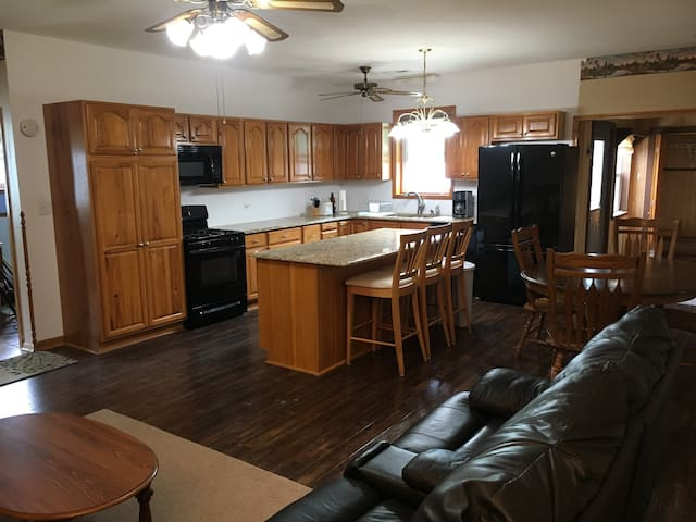 Cozy two bed apartment with fenced yard for pets