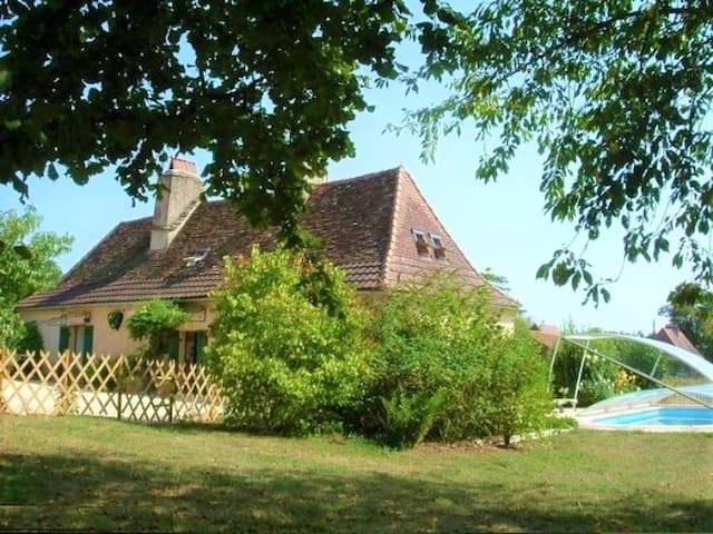 Saint-Geyrac的民宿