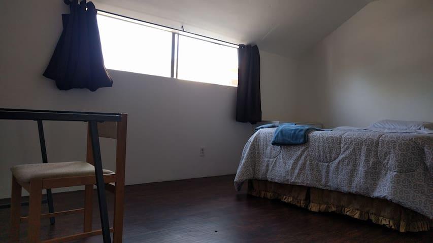 Huge Room in Santa Monica/Venice LA