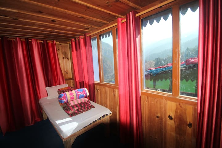 Himalayan High Trekker's Lodge - Sankri