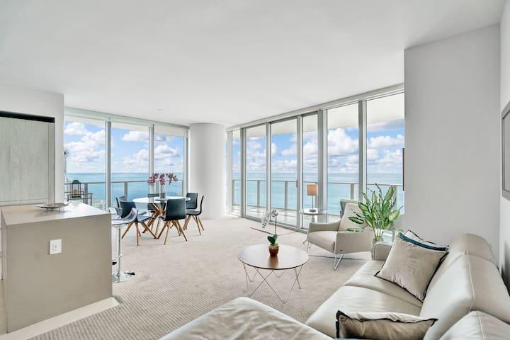 Luxury  Beach Front/2 Bedrooms/2 Bath, 26 floor