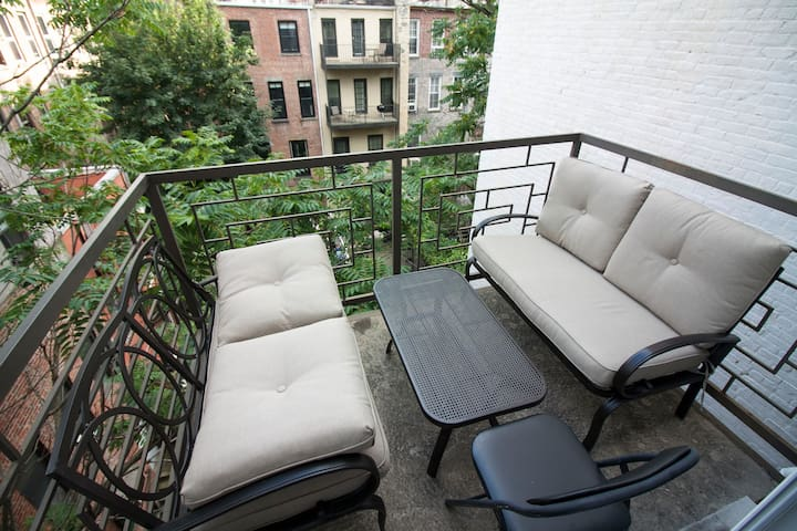 Room with the balcony, fits 3!