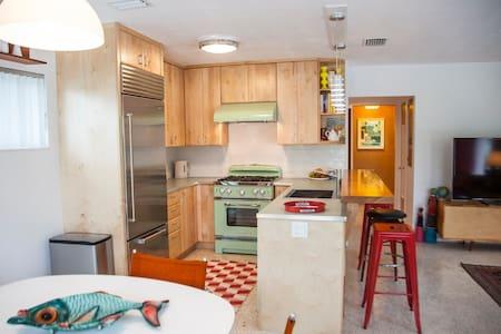 Lido Beach House - two bedroom mid-century heaven