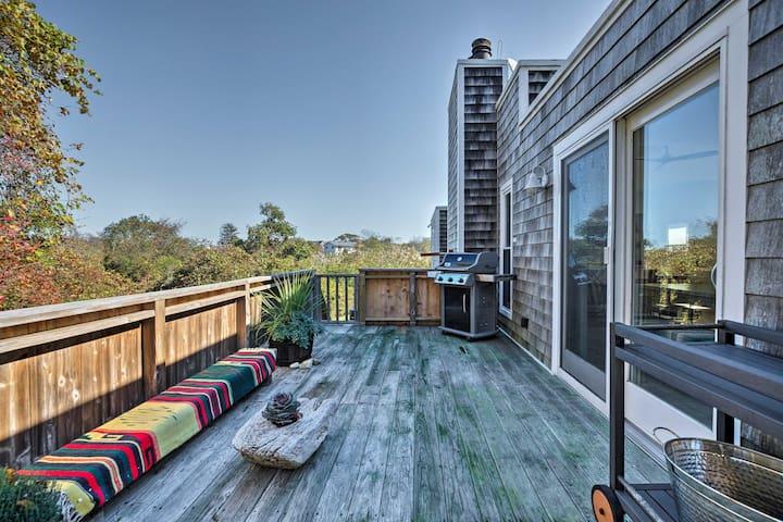 Upscale Montauk Villa w/Hot Tub-Near Beach & Parks
