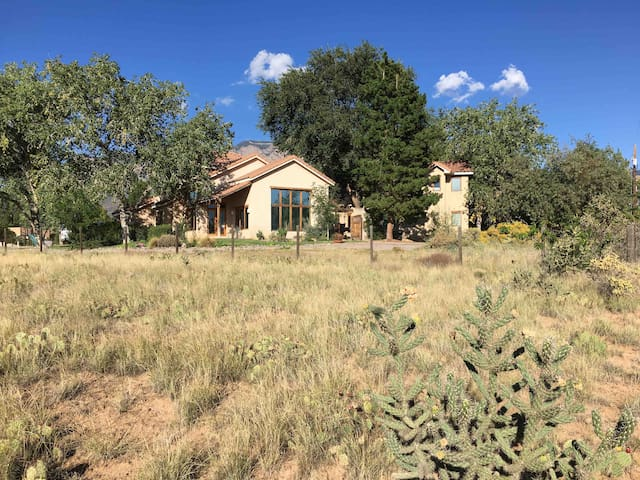 Escape to this Southwest Estate with Views/Privacy
