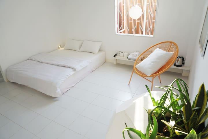Smart Design Apt In Old Villa - Tuol Sleng Museum
