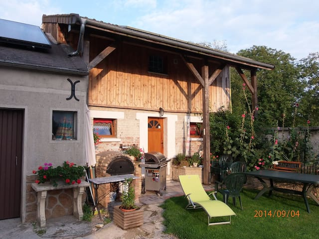 Saint-Étienne-à-Arnes的民宿