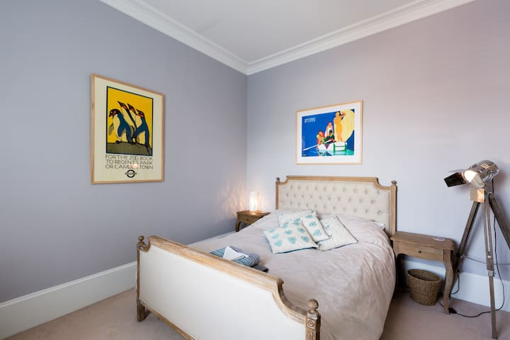 Stylish room in a lovely central Cheltenham house