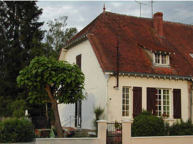 圣让 (Sainte-Gemme)的民宿