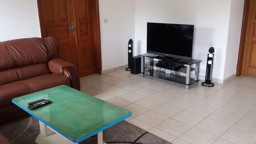 Appartement meuble de 3 chambres