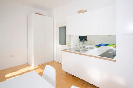 The cute, sunny apartment in the center +P