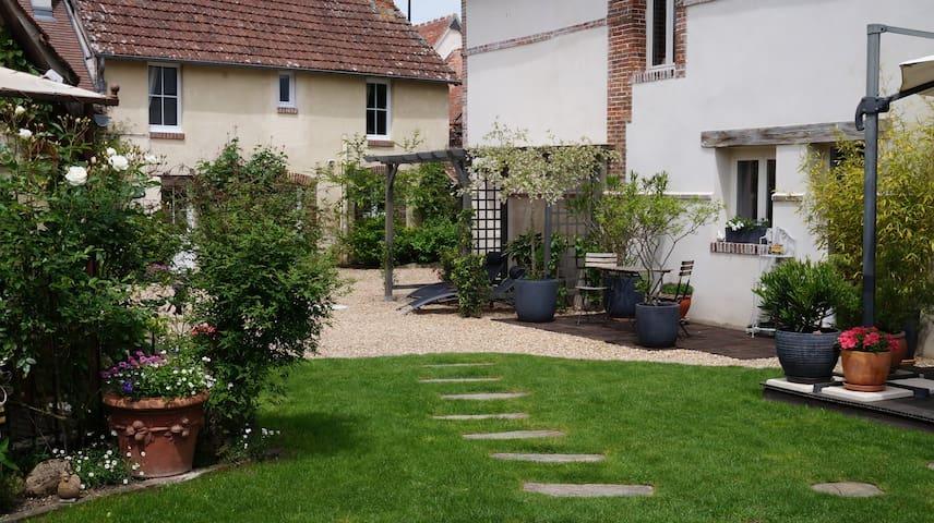 Bréchamps的民宿