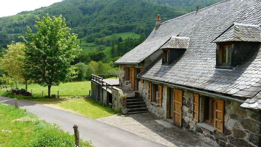 Le Vaulmier的民宿