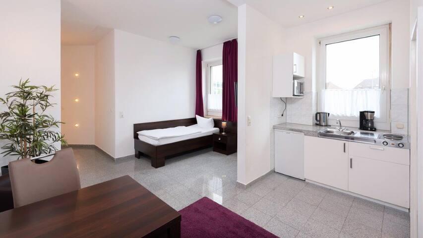 Boardinghouse Stadtvilla Budget (Schweinfurt), Einbett-Studio mit Küchenzeile und WLAN